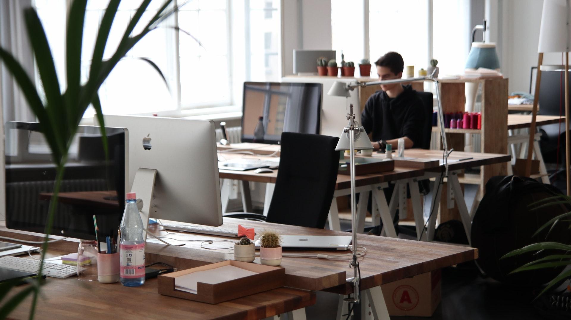 Gebruikt kantoormeubilair